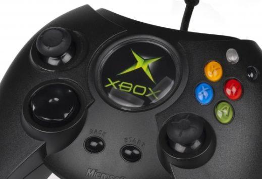 Xbox One Abwärtskompatibilität - Original Xbox-Titel verfahren wie gehabt: Disk einlegen, installieren, spielen